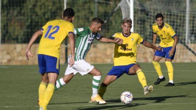 El Cádiz CF empieza la pretemporada con derrota