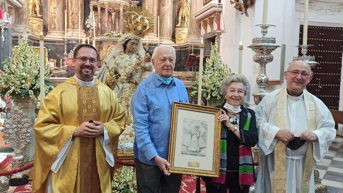 La parroquia del Rosario homenajea al matrimonio De Sobrino Grosso.