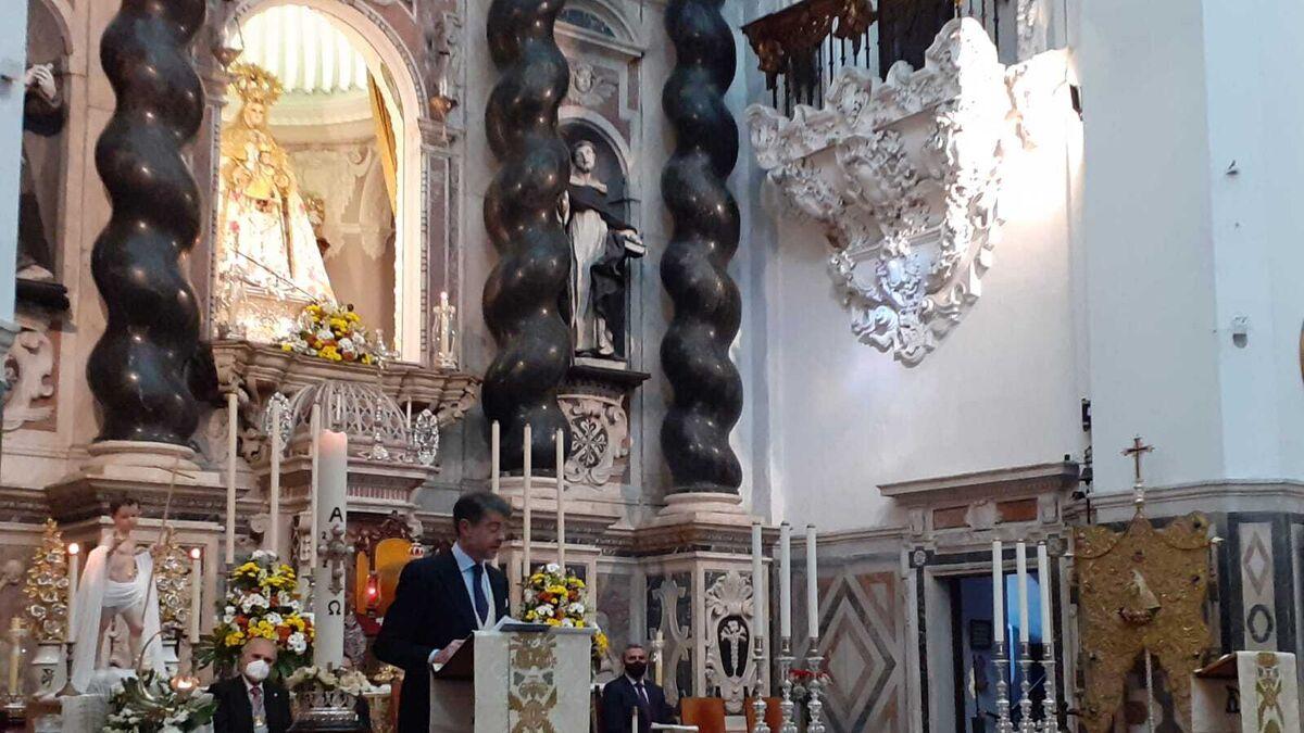 Juan Mera, durante el pregón de las Glorias en la iglesia de Santo Domingo.