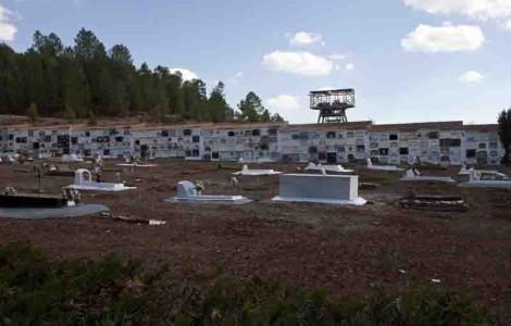 Hallan cadáveres amontonados en las primeras catas de la fosa común de Nerva