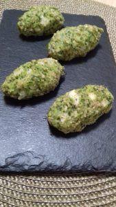croquetas de brócoli rellenas de queso