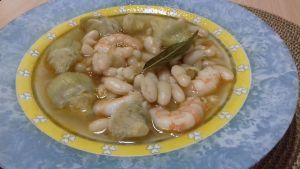 alubias con alcachofas y gambas, receta con conservas