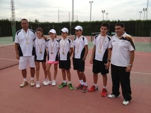 El Club de Tenis de Torrevieja se proclama campeón provincial en categoría alevín
