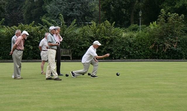 IMG 4059 lawn bowling
