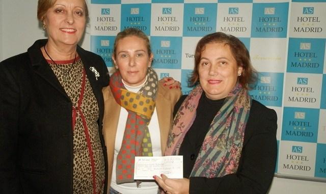 Entrega talón Mercado Solidario Rotary a Nva Fraternidad