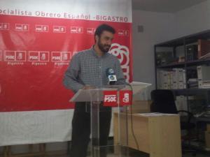 El PSOE de Bigastro pide la convocatoria de una mesa de contratación para adjudicar la piscina de La Pedrera