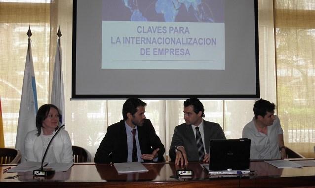 EL ALCALDE INAUGURA LA JORNADA ORGANIZADA POR JOVEMPA VEGA BAJA CLAVES PARA LA INTERNACIONALIZACIÓN DE EMPRESA 1