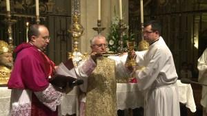 Sanidad investiga si el Obispo Murgui se vacunó irregularmente al recibir la dosis fuera de su residencia