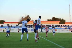 Remontada en casa del CD Torrevieja ante el CF Cullera (4-1) que mantiene el deseo salinero de entrar a los puestos de promoción