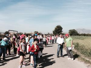 Los alumnos del Trinitario Seva recorren Rafal por el 375 aniversario de su independencia