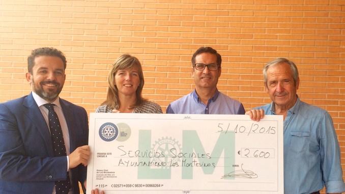 Rotary Club entrega cheque Los Montesinos