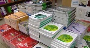 Educación invertirá 42,6 millones de euros en la reposición de los bancos de libros para el próximo curso