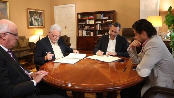 Firma convenios HabanerasCosta Blanca