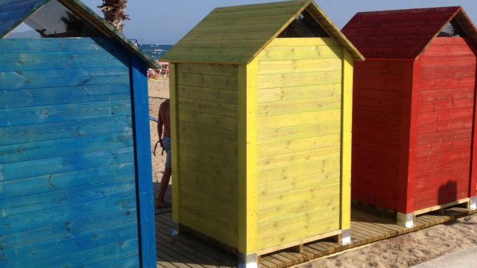 vestuarios colores playa náufragos