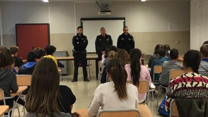 policia local dolores charlas colegios