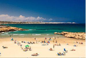 La Vega Baja podrá hacer uso de playas y piscinas a partir del lunes