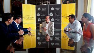 El Ayuntamiento de Orihuela y la Cámara de Comercio alcanzan un acuerdo para solucionar la deuda pendiente de la legislatura anterior