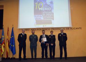 Condecoran a los jefes de la Policía Local de Almoradí y Algorfa por su labor y ejemplaridad