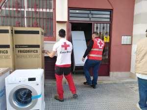 Cruz Roja en Almoradí ha ayudado a 130 familias afectadas por la DANA