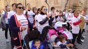 Concentración a las puertas del Ayuntamiento para exigir la reapertura de la Escuela Infantil de La Murada
