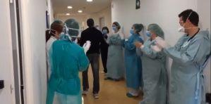 El Hospital QuirónSalud de Torrevieja da sus primeras altas por coronavirus y lo celebra con un emotivo vídeo