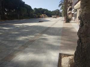 El 75 % de la avenida de Los Pinos  recupera este fin de semana su uso público, comercial y hostelero