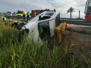 Dos heridos en un accidente entre varios vehículos en Catral