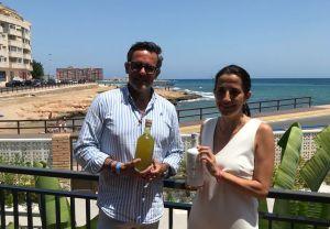 La UMH desarrolla el primer licor con limones ecológicos de la Vega Baja y sus hojas sin aditivos e ingredientes naturales