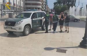La Guardia Civil detiene a un grupo criminal que contaba con varios puntos de venta de droga, uno de ellos en Guardamar