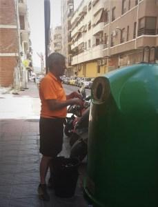 Limpieza Viaria y RSU impulsa el reciclaje de vidrio entre los establecimientos hosteleros