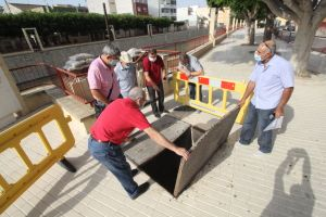 """Guardamar y Rojales autorizan a la conselleria para que """"lo antes posible"""" instale una compuerta de seguridad en la acequia de la Comuna para hacer frente a grandes riadas del Segura"""