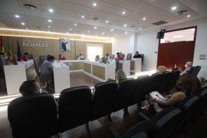 El pleno de Rojales aprueba destinar una subvención de 10.000 euros al Juzgado de Aguas para paliar los efectos de la Dana  y del Covid 19