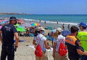 La Policía Local de Pilar de la Horadada elogia la labor de Protección Civil en el control de playas