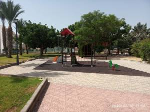 Esquerra Unida de Callosa denuncia el incumplimiento de los requisitos de seguridad e higiene en los parques infantiles