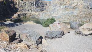 El PSOE alerta del peligro del baño en el lago del cerro del Oriolet