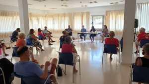 El Ayuntamiento cuenta con la participación de una treintena de asociaciones para priorizar las necesidades para redactar del proyecto de un nuevo Centro Cívico Multiusos en la costa