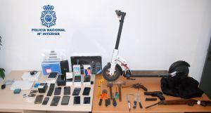 La Policía Nacional detiene a dos hombres por robar con violencia a repartidores de pizzas en Orihuela