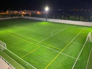 El campo de fútbol 'La Alameda' de Dolores obtiene la certificación de calidad de la FIFA por el nuevo césped artificial