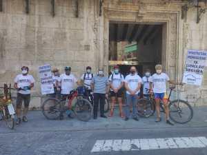 El Ayuntamiento de Orihuela recoge el manifiesto de colectivos ciudadanos para reclamar la ejecución inmediata de infraestructuras hidráulicas