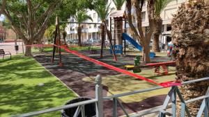Redován suspende las extraescolares y cierra por las noches parques y jardines tras el aumento de casos de Covid-19