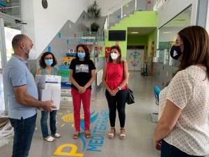 El Ayuntamiento de Pilar de la Horadada reparte 600 mascarillas en cada centro educativo