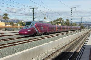 El AVE 'low cost' circula en pruebas por la Vega Baja