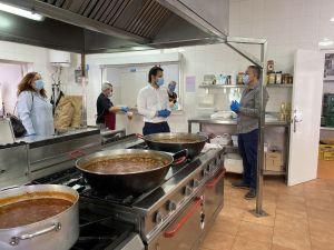 Torrevieja continua desarrollando el contrato de emergencia destinado al reparto de lotes de alimentos ante la situación generada por el Covid-19