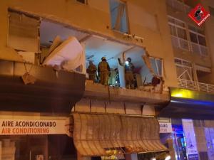 Una explosión provocada destroza 14 viviendas de un edificio y obliga a desalojar a seis familias en Torrevieja