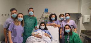 El primer bebe del año en el departamento de Salud de Torrevieja se llama Marta
