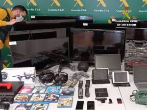 A prisión un peligroso delincuente al que se le atribuyen ocho delitos de robo en viviendas de la Vega Baja