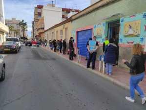 La ONG Banco Obrero reparte alimentos a más de 450 familias