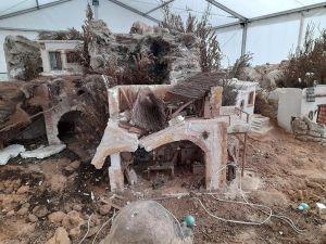 La Guardia Civil detiene a tres menores por destrozar varias estructuras del belén municipal de Almoradí