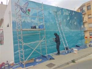 Rojales abre los actos del 8-M con la creación de un mural en homenaje a la mujer