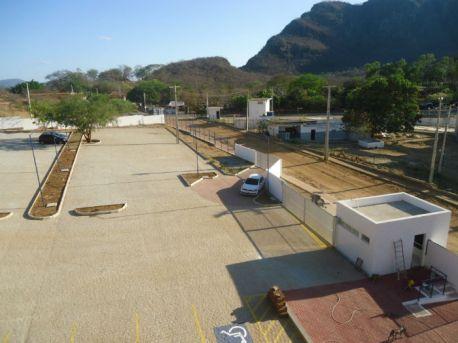 Estacionamentos têm capacidade para 70 veículos e 78 motos. Foto: UPE/Divulgação.